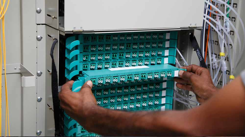 installing fiber termination box